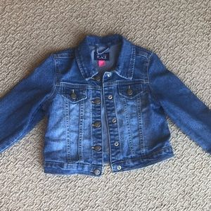 Children's Place Jean Jacket! Children's Size 5T!✨